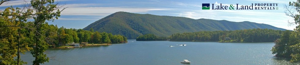Panoramic view of Smith Mountain Lake